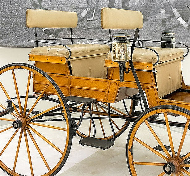 Docent-led Tours of the Car and Carriage Museum at 3 PM