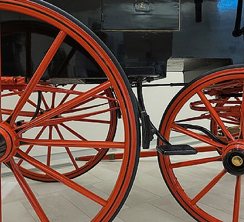 Docent-led Tours of the Car and Carriage Museum at 11 AM