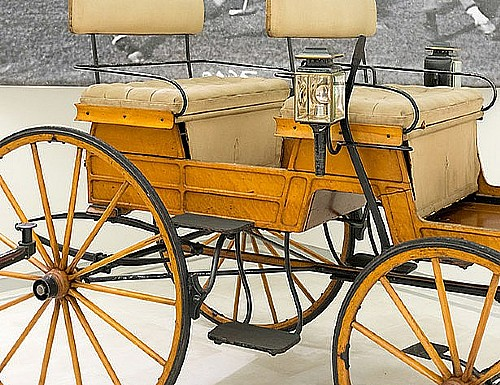 Docent-led Tours of the Car and Carriage Museum at 1 PM